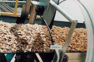 Massenfluss Feuchtemessung in der Papier Industrie | InduTech instruments GmbH